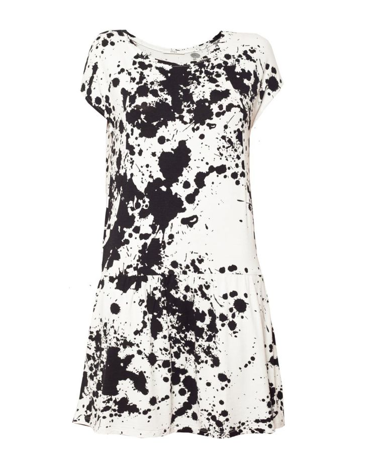 Dress Joan in black and white. Available online: http://www.sofinah.fi/product/419/dress-joan-bw