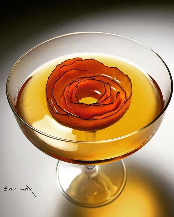 Love the work from @barmaxla  L'ORANGERIE Hennessy VSOP Cointreau Mandarine Napoleon Tangerine Liqueur Disaronno Amaretto Lemon Burned Orange Peel . #bar#alcohol#cocktail#cocktails#bars#drink#drinks#bartender#craftcocktails#instadrink#spirits#cocktailbar#mixology#drinksporn#love#photodaily#bottomsup#imbibe#mixologist#drinkup#cocktail #classiccocktail #cocktailporn #drinks #drinkstagram #cocktailoftheday#jetchill