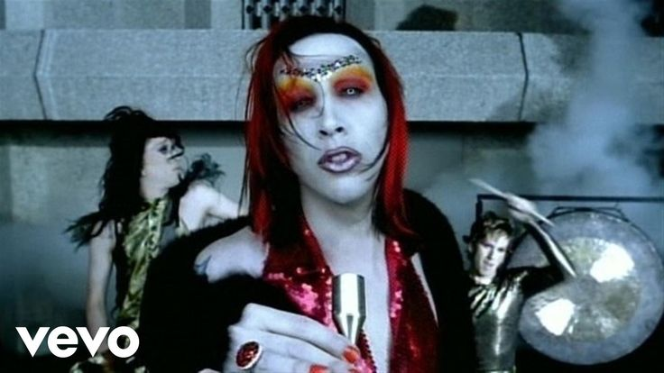 Music video by Marilyn Manson performing The Dope Show. (C) 1999 Nothing/Interscope Records