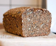Rezept Dunkles Roggen-Dinkel-Vollkornbrot mit Chia-Samen / vegan von positiveenergie - Rezept der Kategorie Grundrezepte