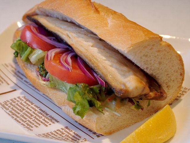 京都で唯一の「halal Restaurant(ハラル レストラン)」ローズ・カフェ 「鯖サンド」