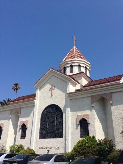 イーストハリウッドにあるアルメニア教会とロシア教会  St Garabed Armenian Church Los Angeles Architecture