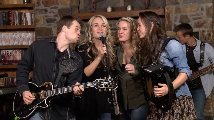 """The Willis Family Performs """"Carried Away"""""""