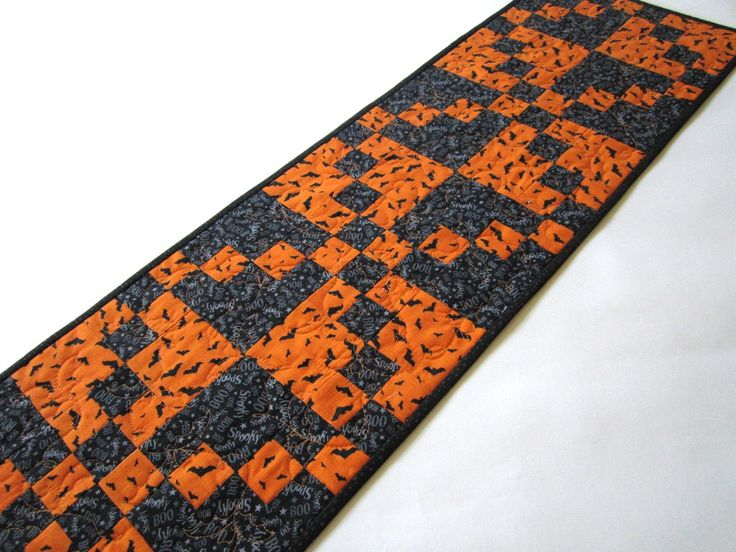 Halloween Table Runner With Bats Quilting Pinterest