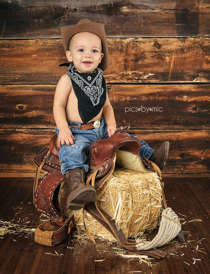 Pics-By-Mic | New Caney Texas | Baby & Child Photographer | one year old, boots, cowboy hat, saddle, cowboy, first birthday, first birthday pictures, one year old boy, 1st birthday, #picsbymic
