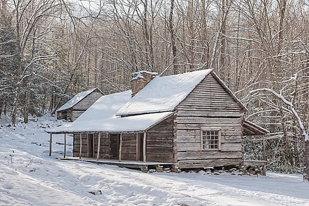17 best images about smoky mountains in winter on for Classic house follow me