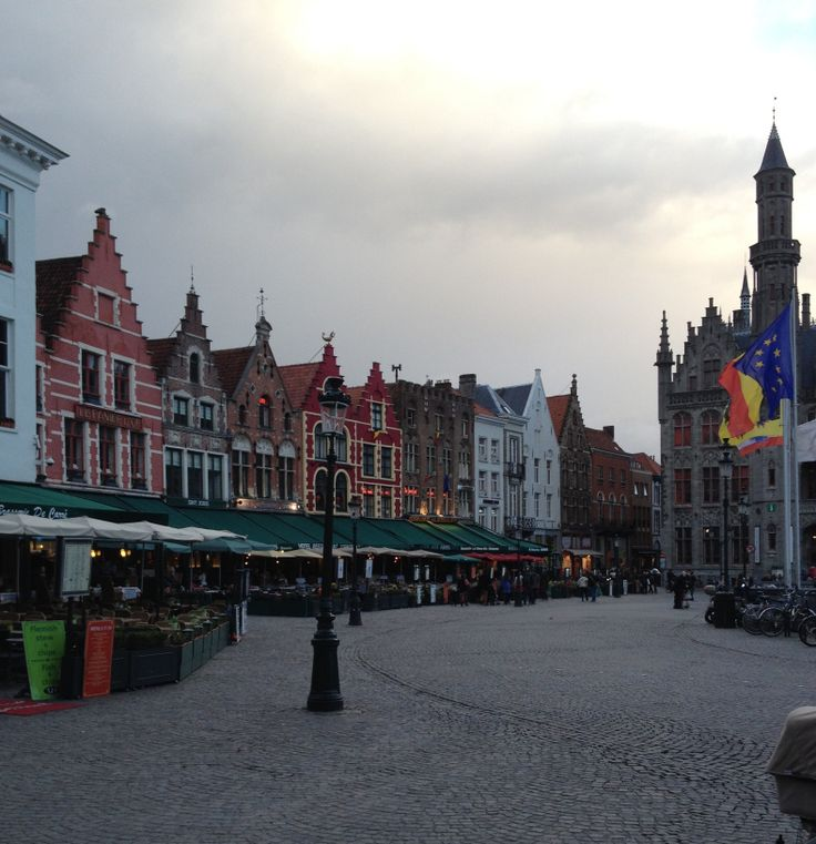 Fairytale http://mylandingrunway.com/2014/09/08/lets-go-on-a-road-trip-the-fairytale-cities-brugge-ghent/ #brugge #travel #belgium