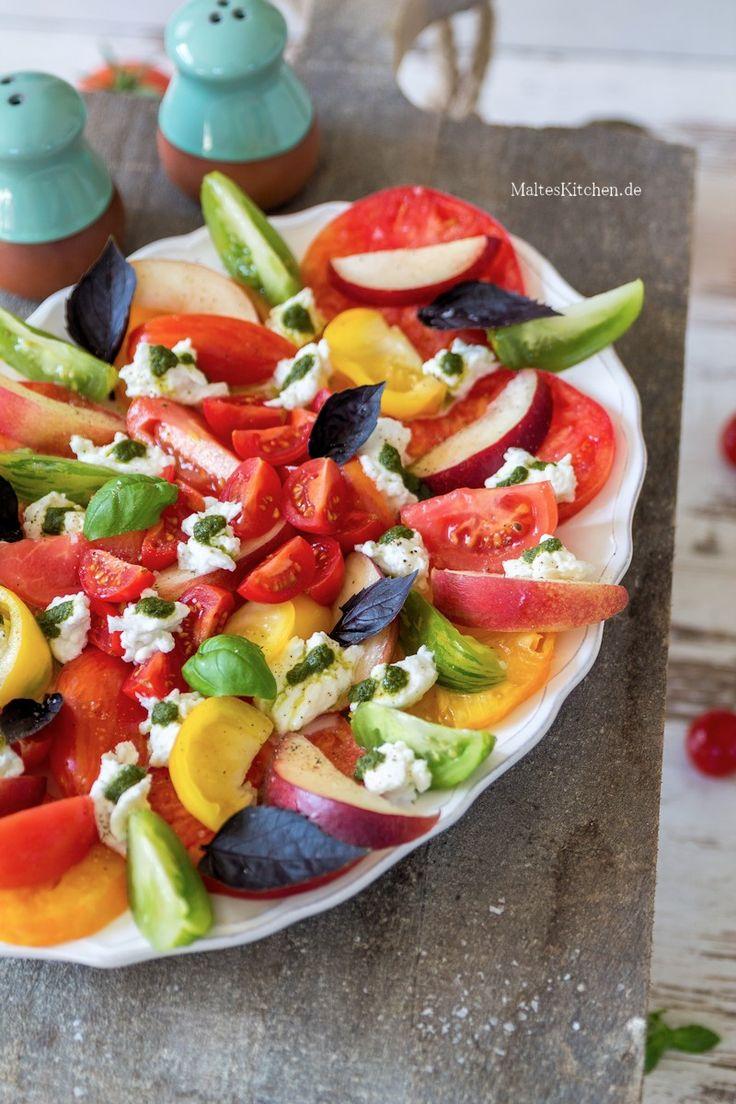 #Salat mit #Tomaten,Nektarinen,#Mozzarella und Basilikumöl | malteskitchen.de