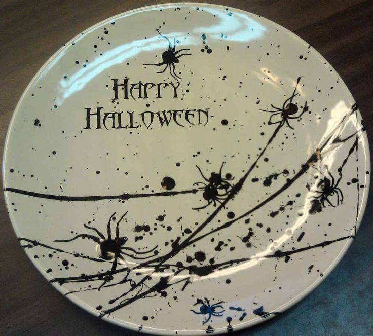 pottery hollow in glen carbon il really knows how to get into the spirit of the seasonheres a creepy crawly tuscany coupe dinner plate item cs - Halloween Plates Ceramic