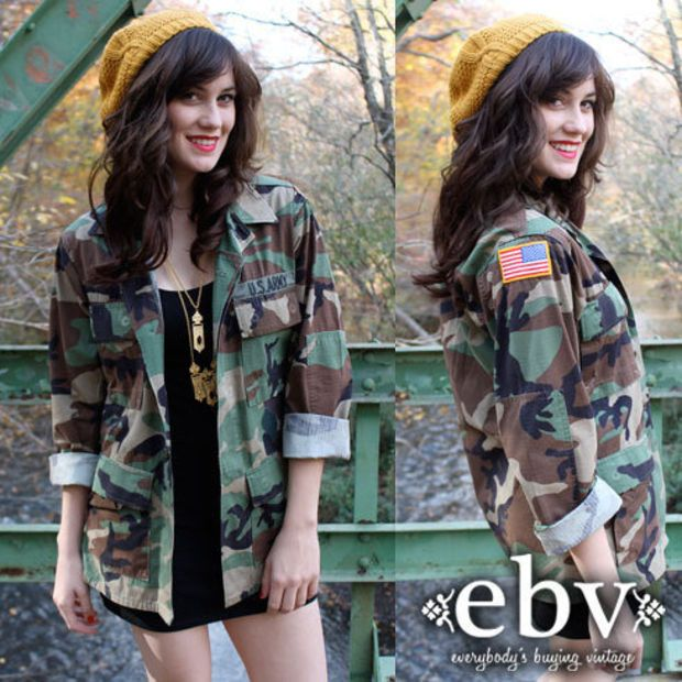 Vintage Camo Jacket outfit idea: mustard beanie, black and gold accessories