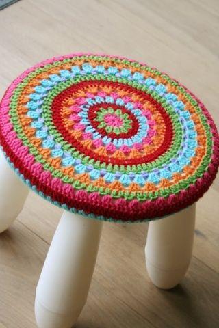 EASY IKEA HACKS - Crochet cover for the MAMMUT stoo Yo lo haría sobre sus sillitas, con granny square cuadrados :D