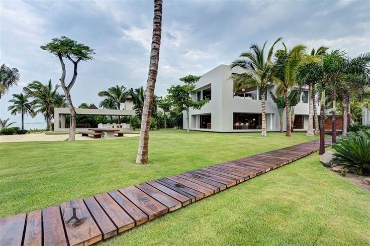 Casa La Punta by Elías Rizo Arquitectos