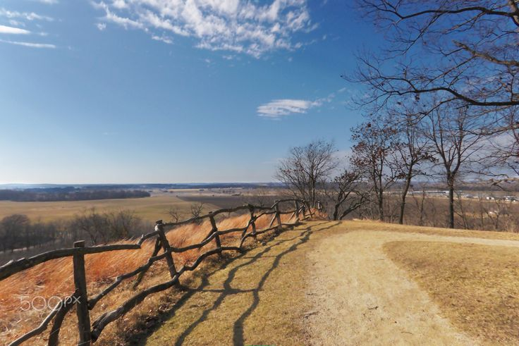 A Beautiful Day - The weather was unseasonably mild again yesterday (February 22, 2017). Temps were in the low 70s F (21 C), the sun was shining. It was just too nice to stay inside, so I visited Magnolia Bluff, a little southwest of Evansville, Wisconsin (USA). Today is gray and rumor has it that snow is on the way, but yesterday was glorious!