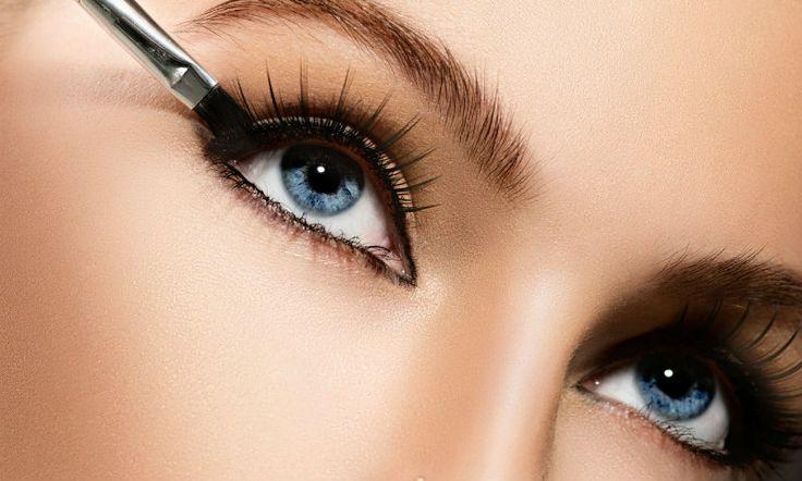 Mooie, grote ogen, wie wil het net? Helaas hebben we niet allemaal grote kijkers à la de Kardashians. Maar hee, ook die van hen zijn niet helemaal puur natuur