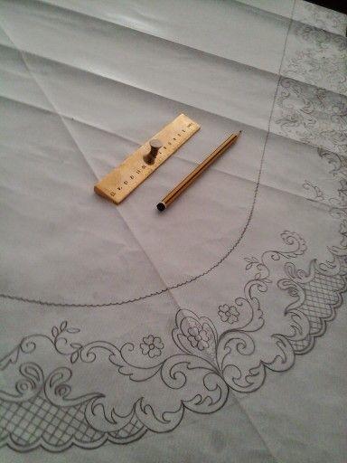 #bordados #artesanía #trajesregionales #dibujo #diseñotextil…