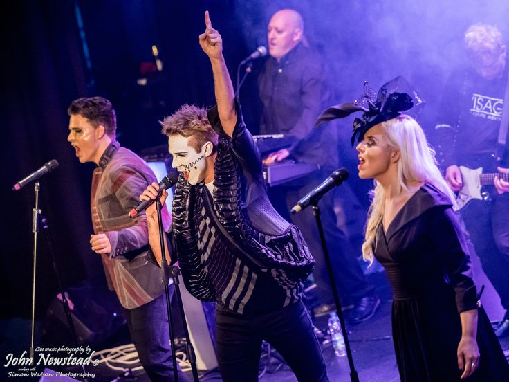 https://flic.kr/p/ADKPn7 | New Romantic Festival 2015 | The finale of the New Romantic Festival 2015 at Porthcawl, Wales on 31st October 2015, a tribute to the late Steve Strange. Featuring former Visage band members, Logan Sky and Robin Simon with Electro 80s, Steven Jones, Lauren Maria Thomas and Lloyd Daniels.  A selection of Visage tracks was performed, culminating with Fade to Grey. ©John Newstead working with Simon Watson Photography.