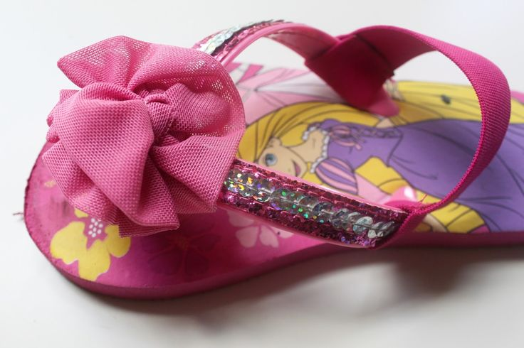 EAT+SLEEP+MAKE: CRAFT: Easy Flip Flop Fix (Just Add Straps!) ~~It's the flipping and flopping that makes flip-flops bad for your feet! Buy a pair with good arch support like crocs or nike and add an ankle strap!~~~