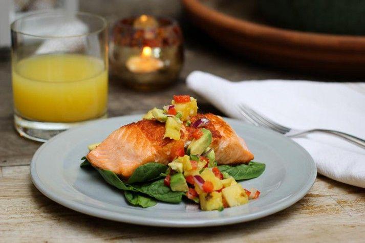 How to Make Pan Seared Salmon and Pineapple Salsa (via @nerdfitness)