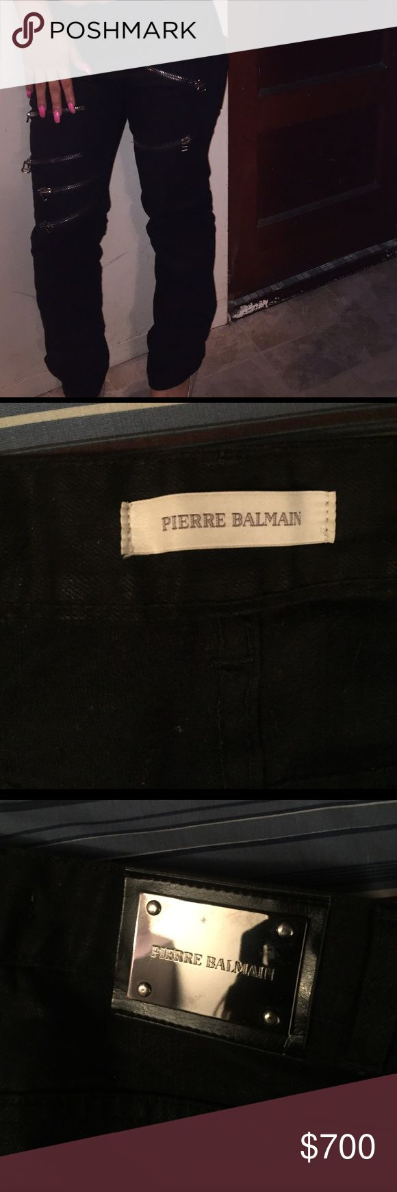 Balmain jeans Pierre Balmain Skinny jeans for women worn once in the picture shown , and it's real I can send more pictures Pierre Balmain Jeans Skinny