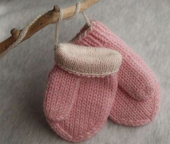 mittens  • tiny • lined • pink
