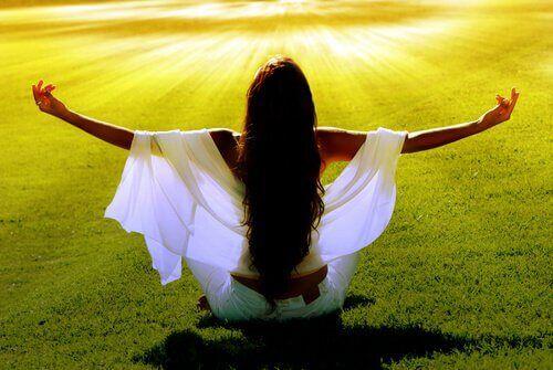 Conoscete la mindfulness? La pratica della meditazione costituisce parte delle società orientali ormai da molte migliaia di anni.