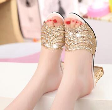 2017 New Fashion Ladies Slides Girl's Crystal Woman High Heel Rhinestone Shoes Elegant Women Gold Slippers Open Toe Sandals B008