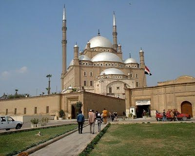 We are pleased to offer you Cairo Short Break Holiday. With Shaspo tours, your Cairo short break will be the best experience as you will cover the most important sightseeing of Cairo. Through the tour you will watch the Pyramids and Sphinx at Giza plateau, the Egyptian Museum with its magnificent treasures.