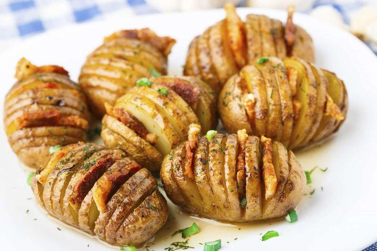 Les pommes de terre à la suédoise sont très faciles à préparer et très gourmandes. Commencez par lav... - 750 grammes