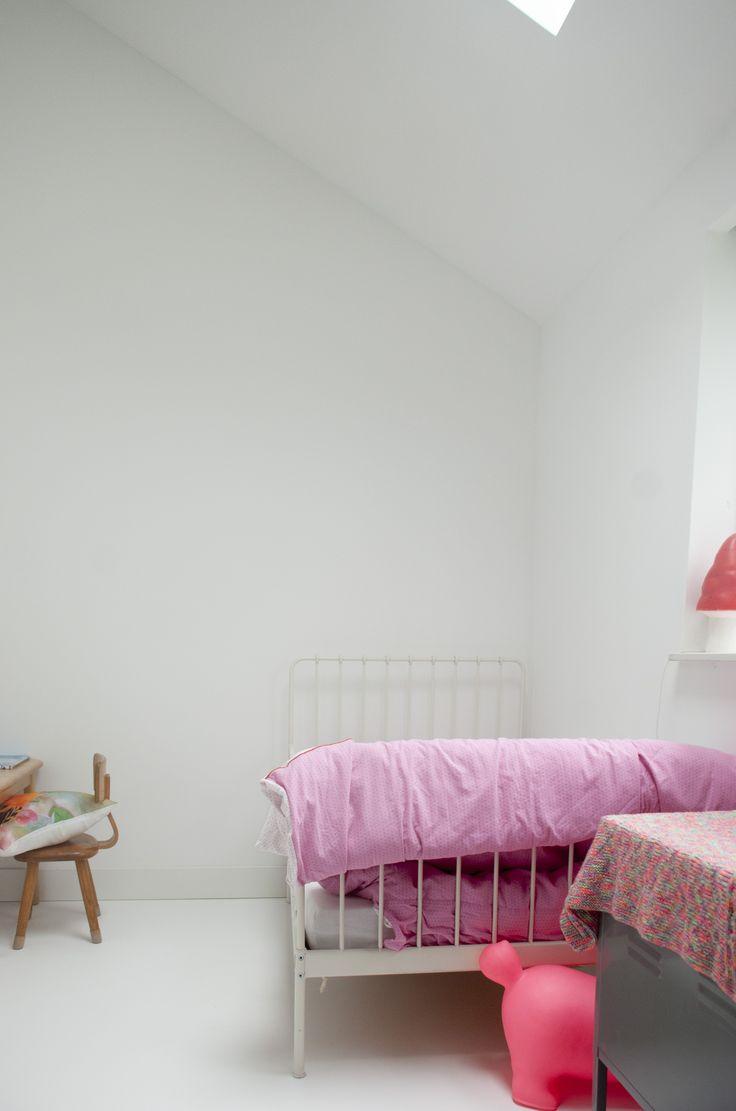 Kinderkamer met daklicht, schuurwoning Westerbreedte architecten