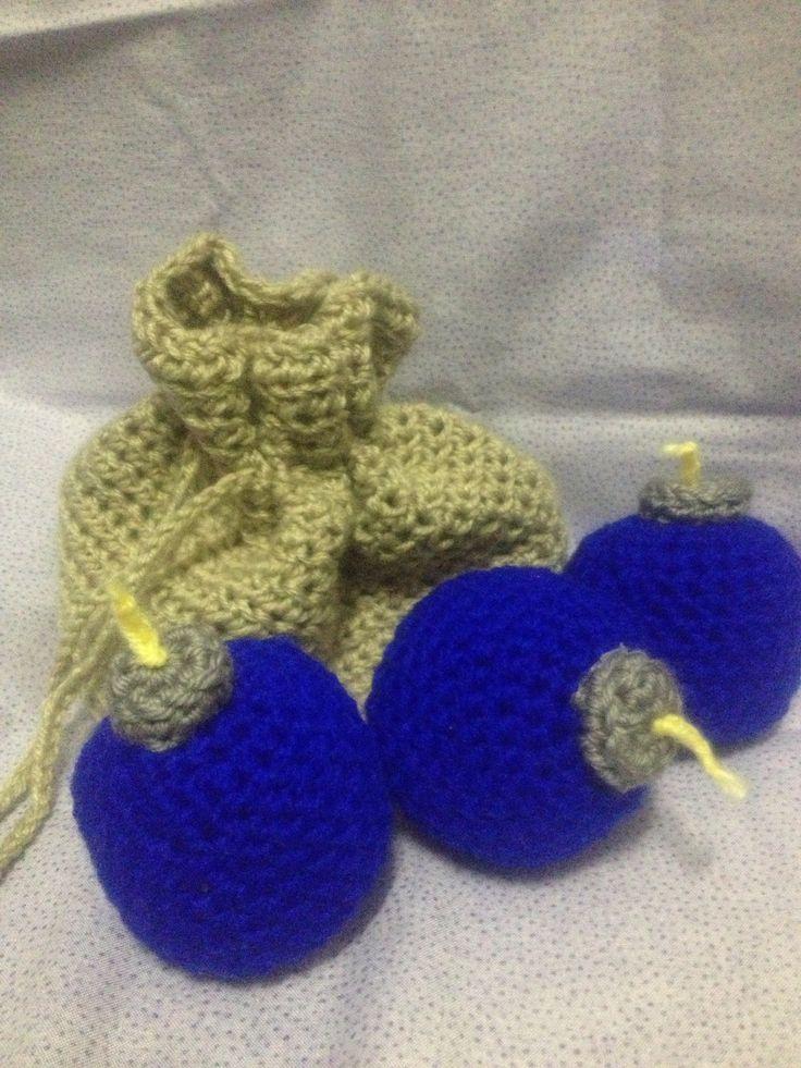 Legend of Zelda - crochet bombs and bag crafts Pinterest