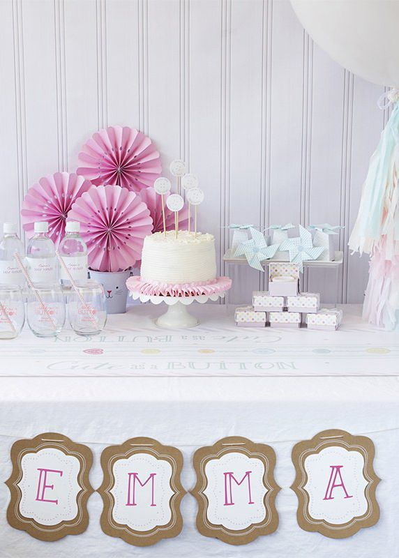 This kit is a perfect the perfect way to pull off a baby shower that is cute as a button! This Cute As A Button Baby Shower Party Kit comes with everything you need to get your baby shower ready - including decorations, glassware, favors, and favor boxes. 1 kit serves 24 guests.