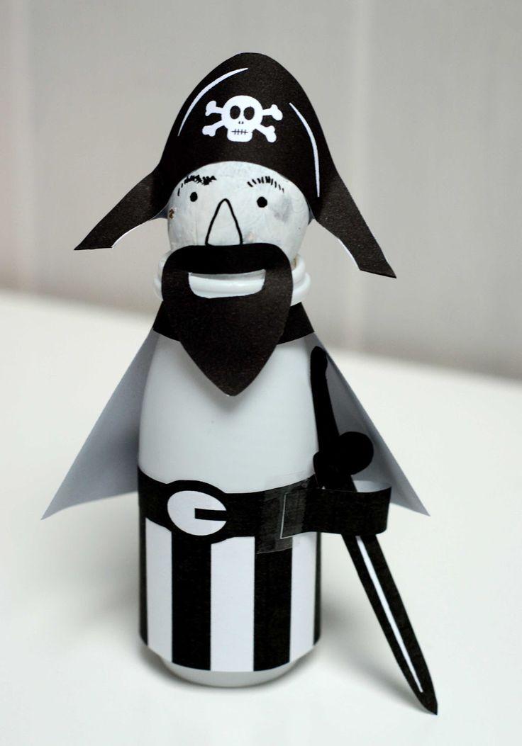Hello June: DIY kids : un pirate avec un actimel et un noyau d'avocat