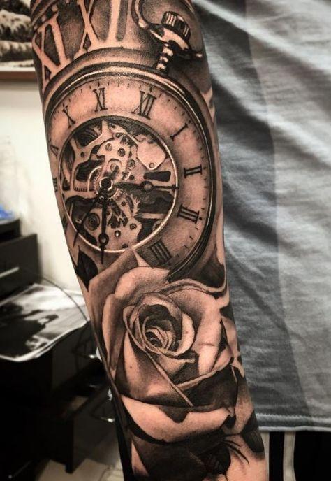 Taschenuhr und Flower Tattoo   – tattoos