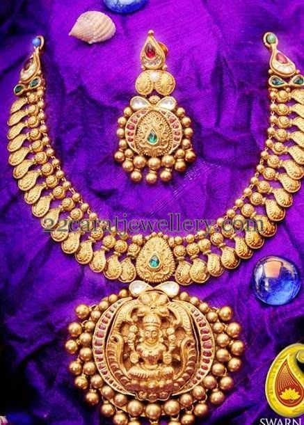 Jewellery Designs: Antique Lakshmi Set with Hangings