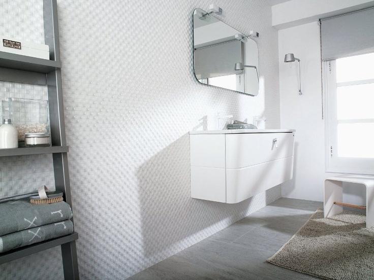 Venis 'Minidual Bianco' Mosaic Tile | Concave and convex pattern | Ceramo