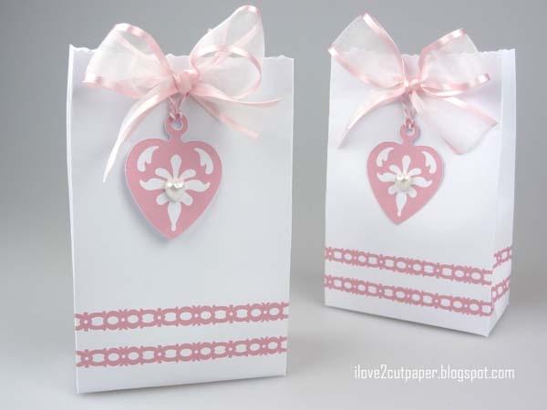 tutorial i love 2 carta tagliata: Medaglioni di Amore - Gift Bag