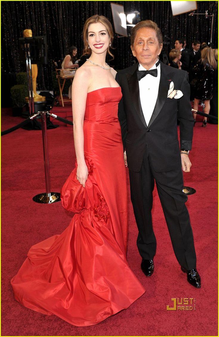 Emmy fashion 2014 best red carpet dresses blogher - Anne Hathaway Oscars 2011 Red Carpet Best Red Carpet Dressesvalentino
