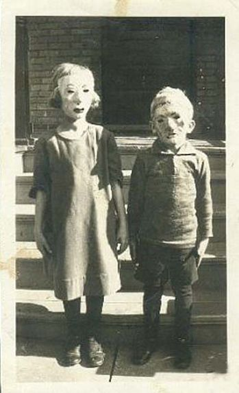 13 Vintage Photos of Scary Halloween Masks - PROJECT B - Limited