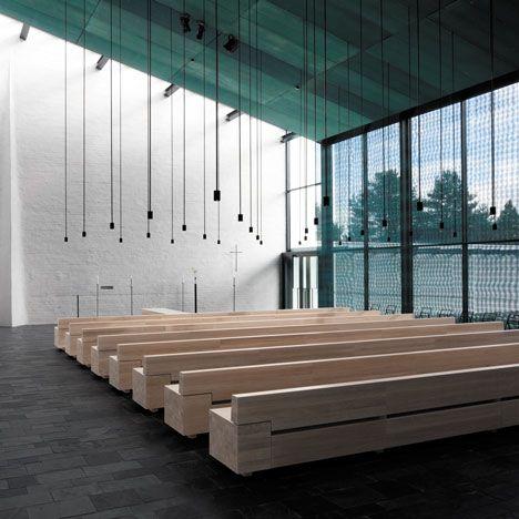 Capela de São Lourenço, em Vantaa (Finlândia) por Avanto Architects. Chapel of St. Lawrence by Avanto Architects in Vantaa (Finland).