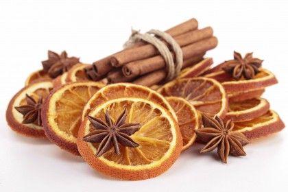 Decoratie-do-it-yourself-boom-van-kerst-oranje-kaneel-kruidnagel-nagels (3)