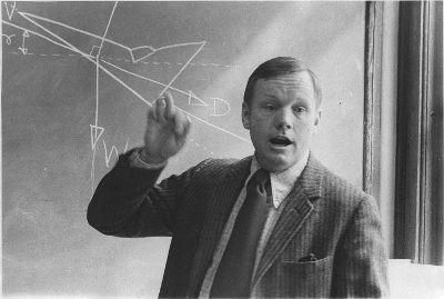Professor Neil Armstrong explaining the theory of flight mechanics to undergraduates.