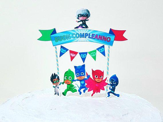 Ehi, ho trovato questa fantastica inserzione di Etsy su https://www.etsy.com/it/listing/491792703/pj-masks-cake-topper-cake-topper-super