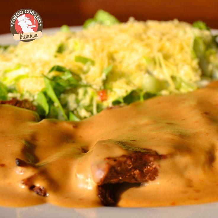 Si necesitas ayuda para tu elección para el almuerzo de este #Martes, no lo dudes, el #SteakTornado de #FuegoCubano es tu opción: un delicioso corte de solomito bañado en salsa demiglace y tocineta. ¡Seguro no te arrepientes! #NuestraCarta