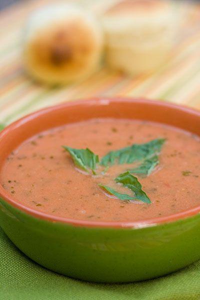 Tomato Basil Soupe – la Madeleine Style
