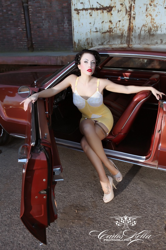 Photo: www.carloskella.de: Pinups, Muscle Cars, Pin Up Rockabilly Style, Hotrod, Cars W Ladies, Pinup Girls, Pin Up Girls, Cars Iii