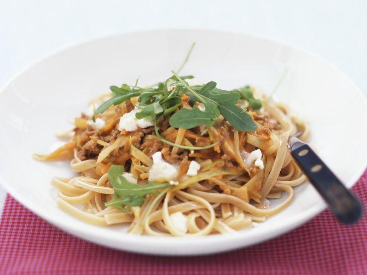 Pasta mit Hackfleisch-Möhren-Sauce - smarter - Kalorien: 539 Kcal - Zeit: 30 Min. | eatsmarter.de