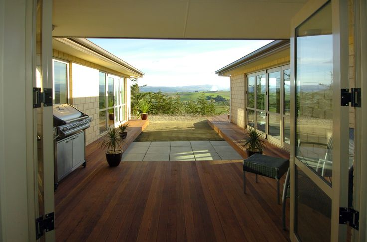 The perfect outdoor area for that Kiwi Summer BBQ in this G.J.Gardner home.