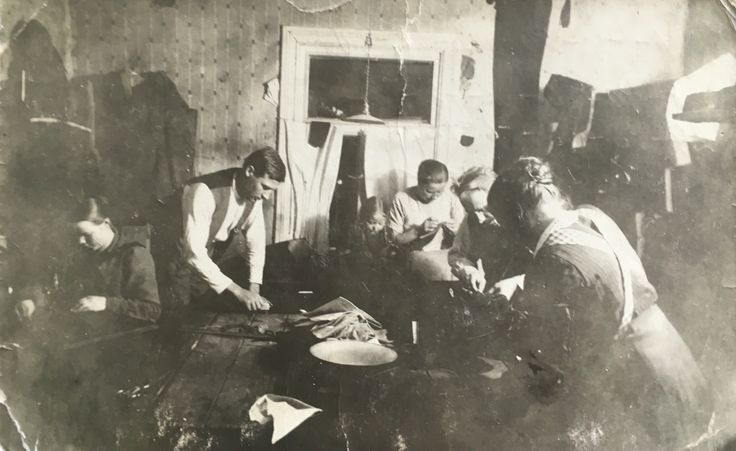 From my great grandfathers' tailor workshop - looong time ago ...