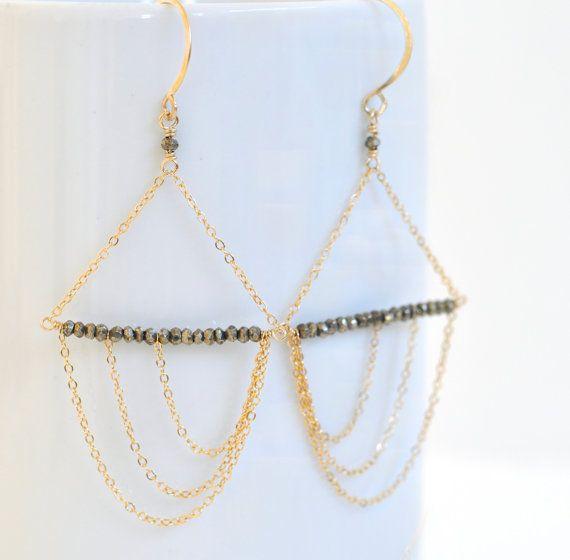 Pyriet oorbellen-Gold-gevulde Oorbellen - asymmetrische oorbellen - Gold Filled kroonluchters - zwarte en gouden oorbellen - ketting oorbellen - Fool