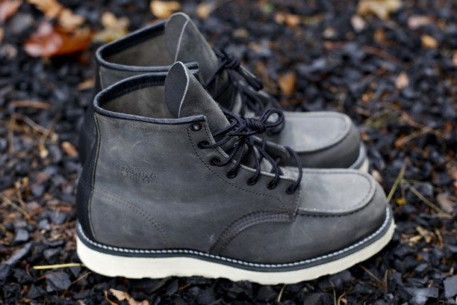 Red Wing x Ronnie Fieg 6″ Moc Toe Boot in Ash Grey